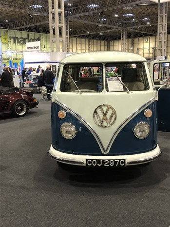 1964 VW Campervan Type 2 (1)
