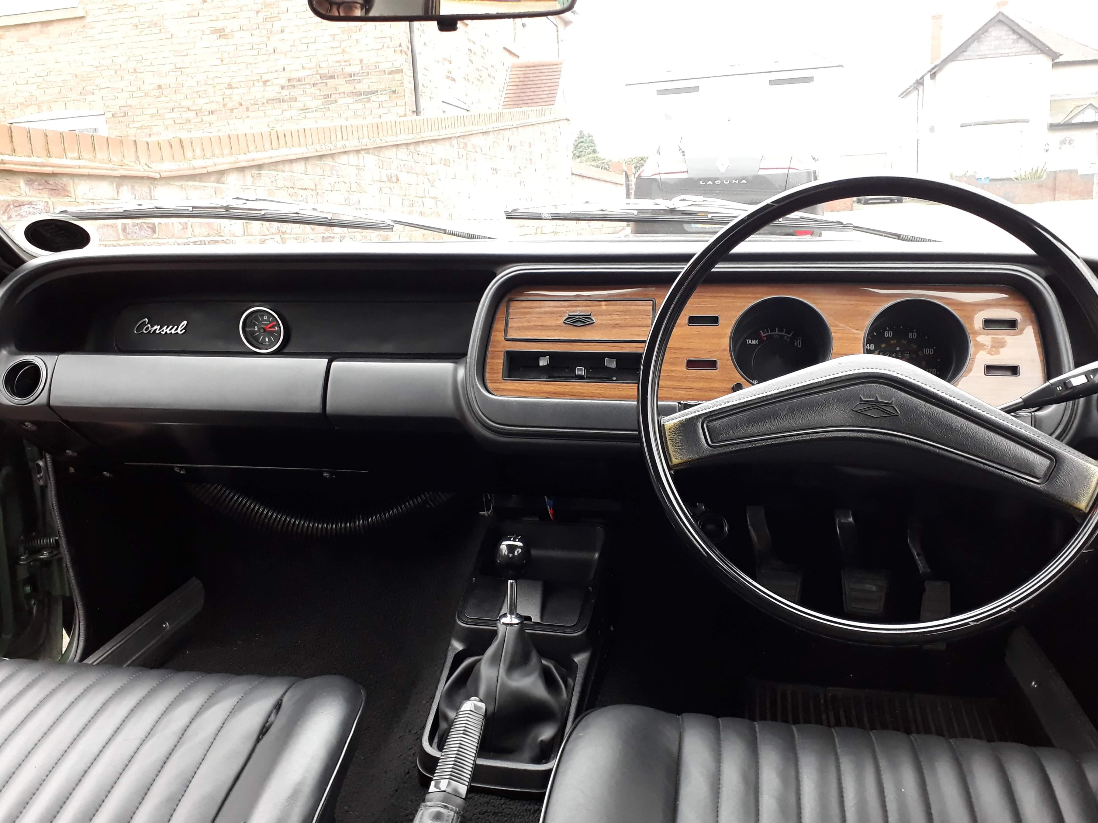Ford Consul dashboard