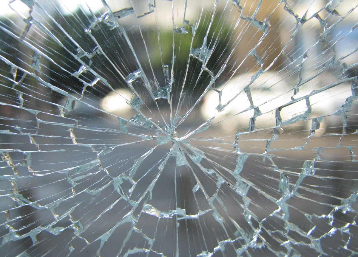 A cracked glass windscreen
